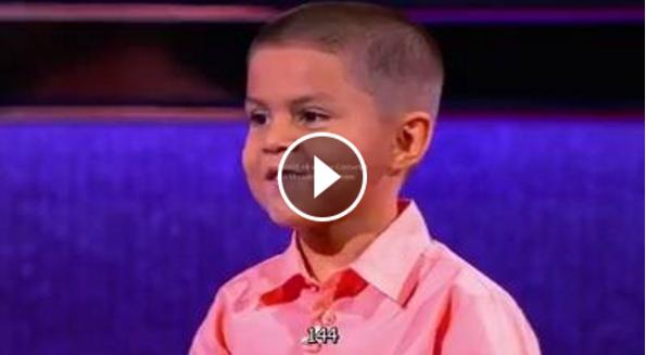 طفل عمره 5 سنوات يقوم بعمليات يعجز الكبار القيام بها بدون الآلة الحاسبة