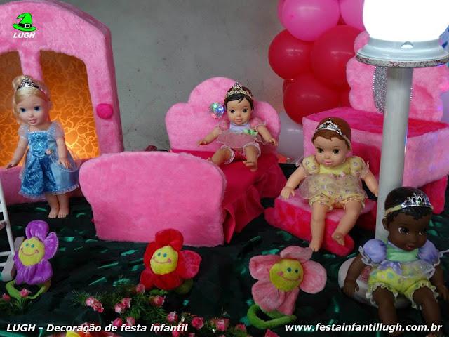 Mesa ornamentada de aniversário infantil Princesas Baby Disney