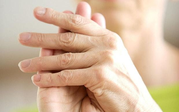 3 وصفات طبيعية لعلاج آلام المفاصل وورمها