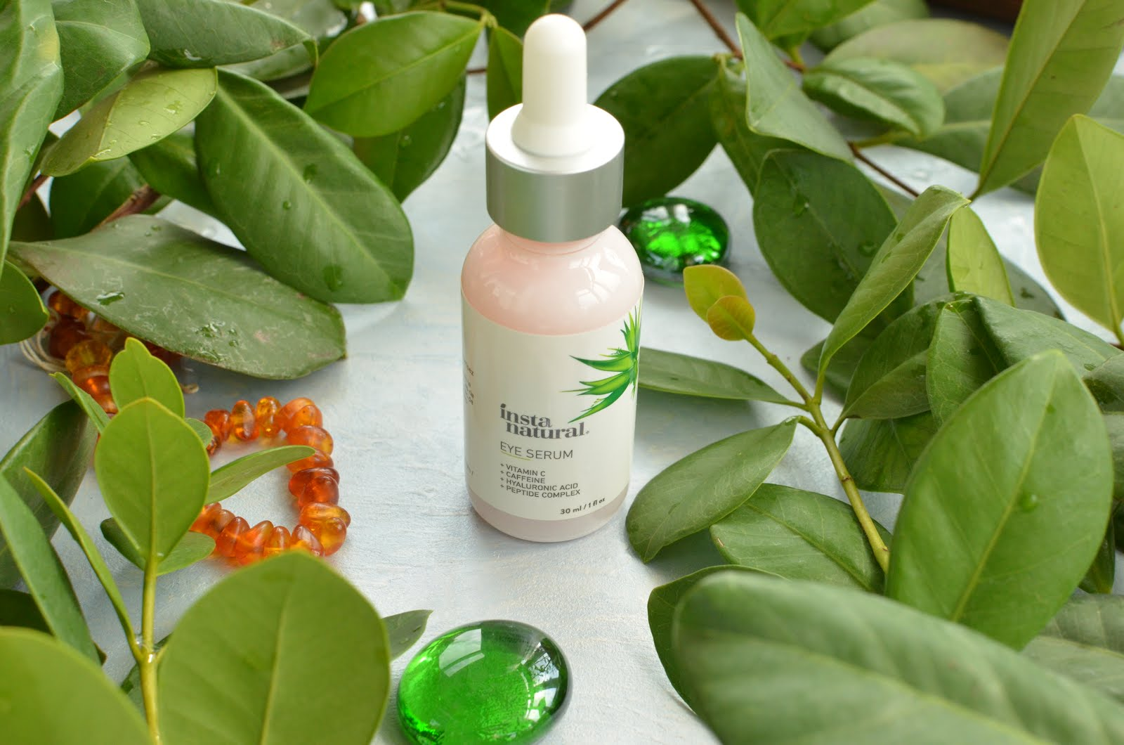 InstaNatural  Eye Serum Anti-Aging with Vitamin C, Caffeine, Hyaluronic Acid, Peptide Complex.  Антивозрастная сыворотка для зоны вокруг  глаз