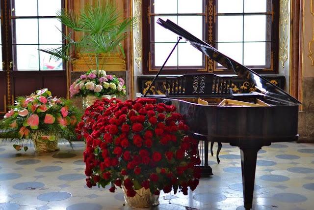 تعلم العزف علي البيانو والاورغ بلوحة المفاتيح اون لاين
