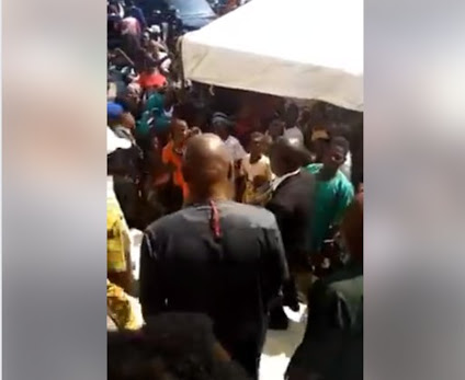 Former Governor Fayose Mobbed As He Returns To Ekiti