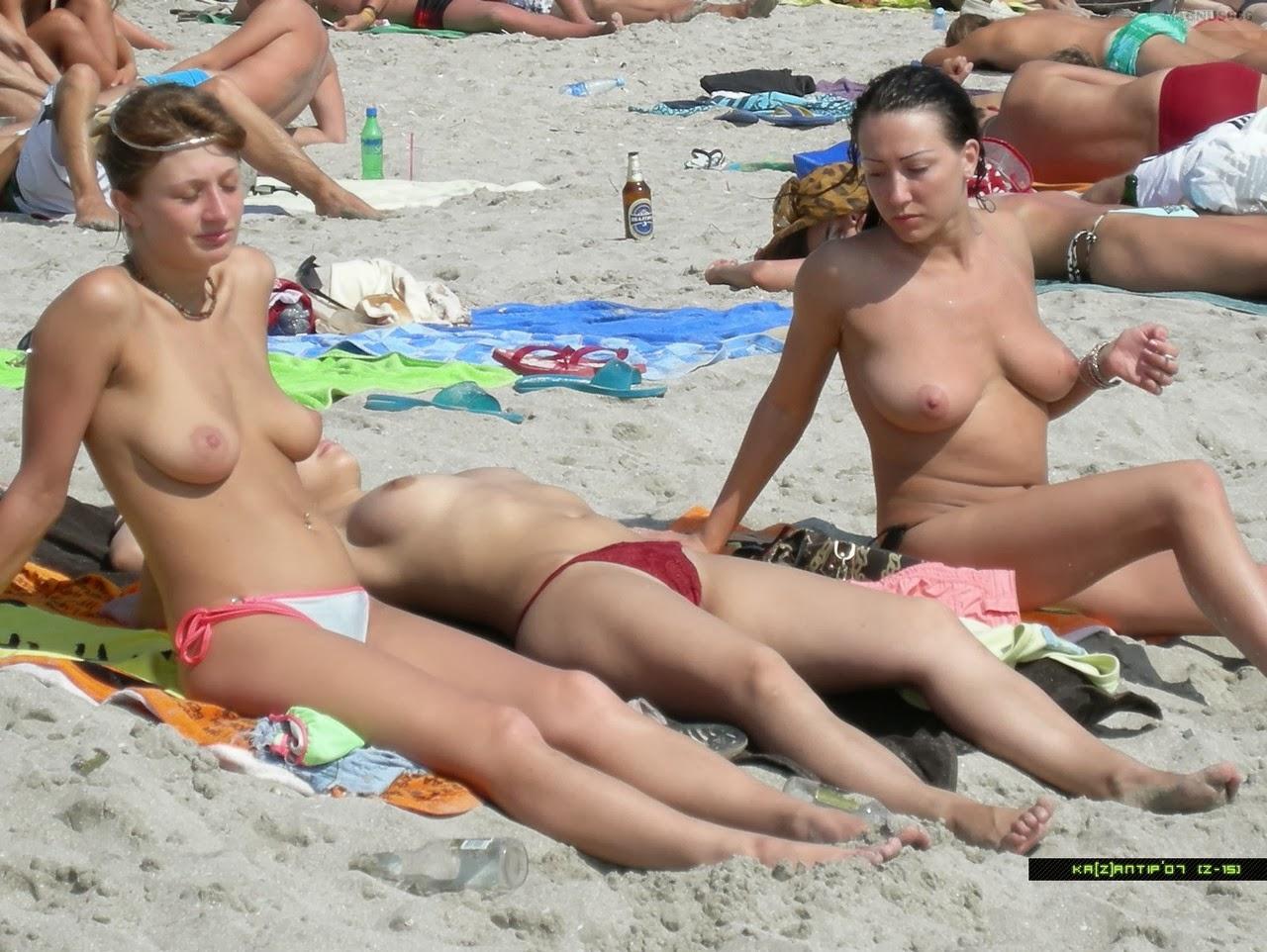 ragazze topless facebook