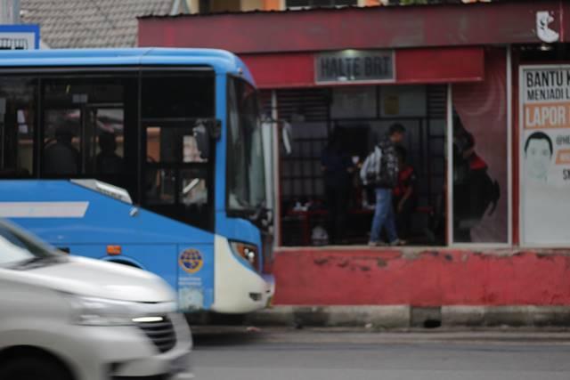 [FOTO] Trans Semarang : Angkutan Andalan Warga Kota Lun Pia