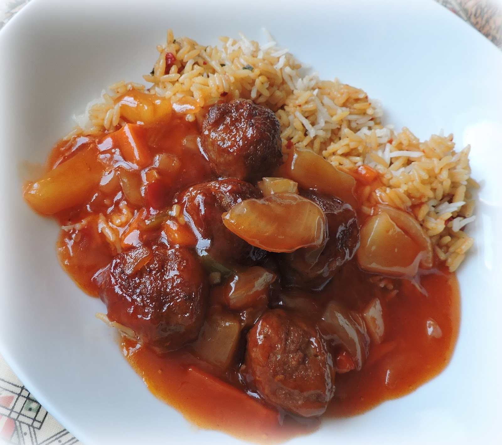 recipe: sweet and sour meatballs with pineapple and tomato sauce [20]