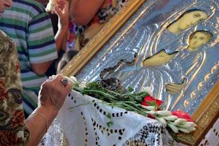 Κεφαλλονιά: Εμφανίστηκαν και φέτος τα θαυματουργά φιδάκια στις εκκλησίες της Παναγιάς