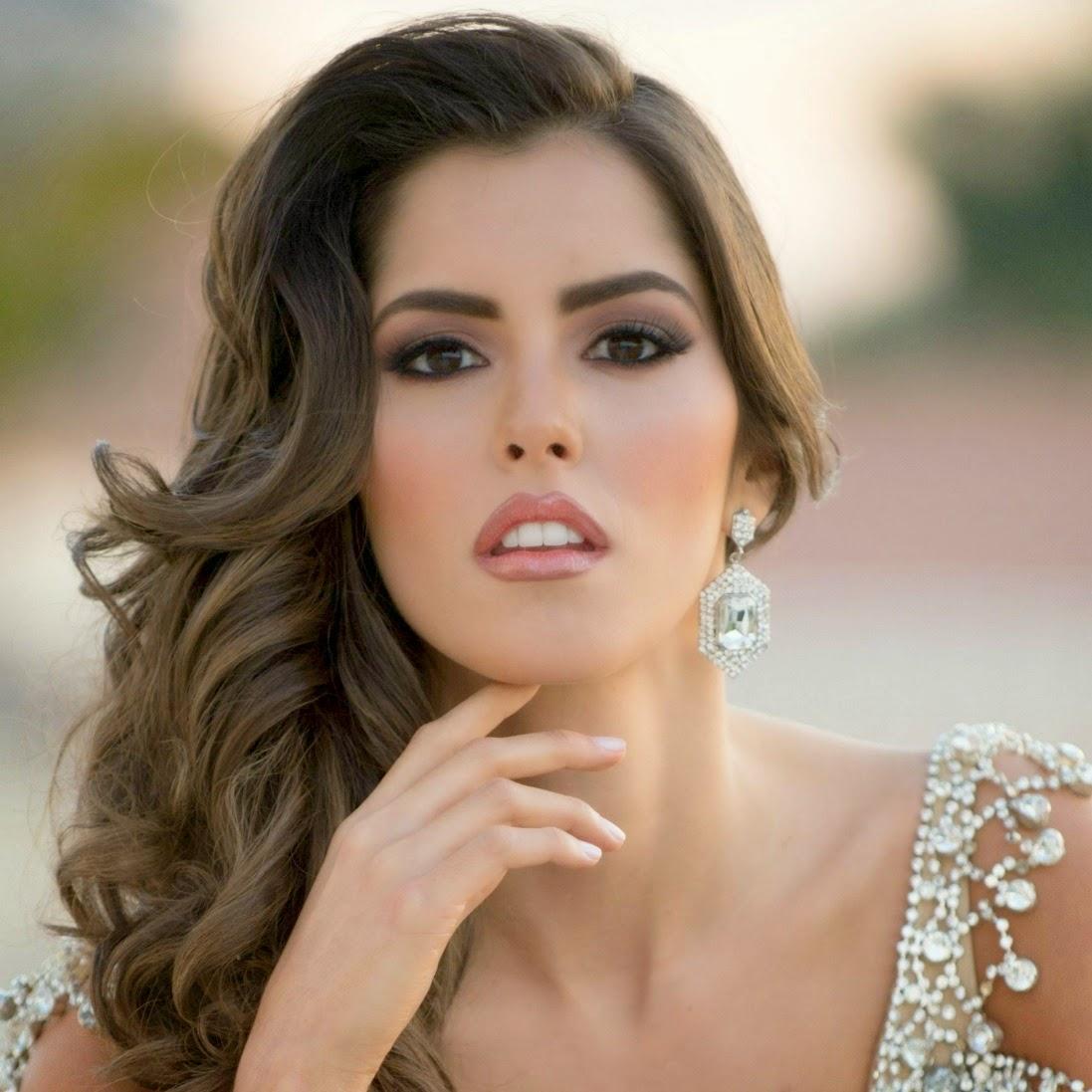 Paulina Vega.