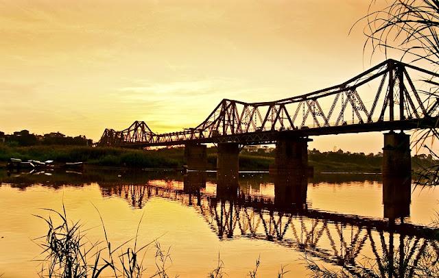 Historical ups and downs of Long Bien Bridge 1