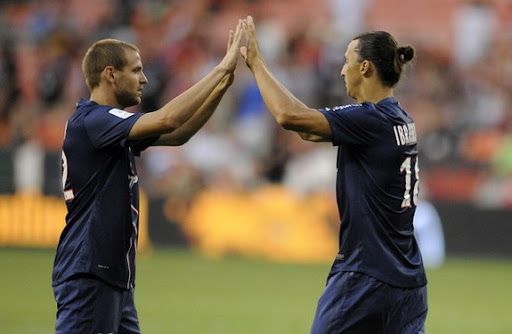 PSG striker Zlatan Ibrahimović is congratulated by teammate Mathieu Bodmer
