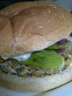 Image source: http://www.beautyandthebumpnyc.com/2012/07/easy-crispy-shrimp-burger-recipe.html#.UAwkH2H0i8A
