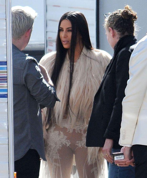 FAMEFLYNET-Kim-Kardashian-Films-New-Scenes-For-Oceans-Eight-In-Los-Angeles (1).jpg