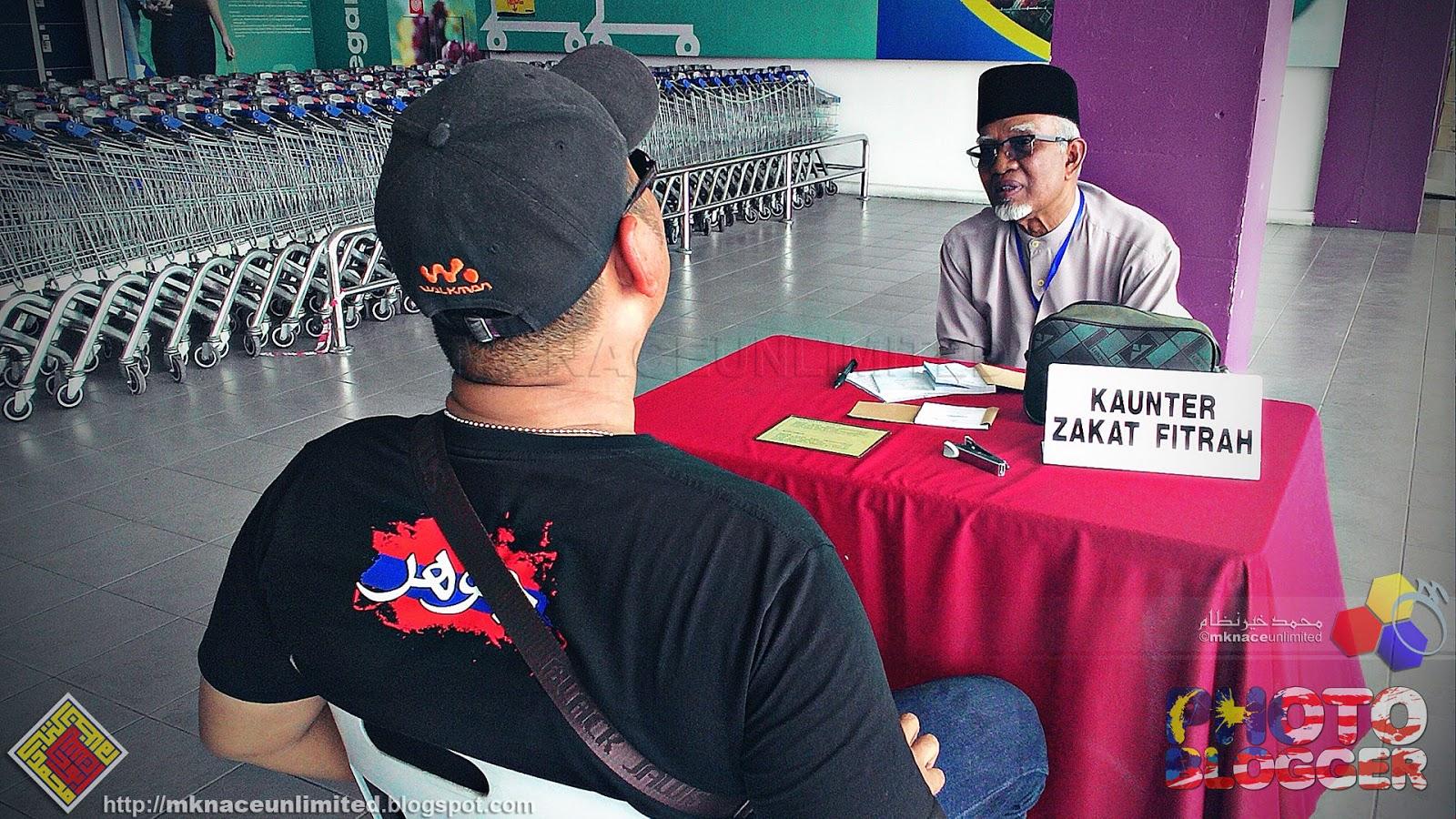 Zakat Fitrah negeri Johor 1437H   2016M - Done! 23 Jun tempohari mama ajak  gi Mydin. Nak belanja bulan. Hari yang sama aku keluar gi perbaharui lesen. c5534df788
