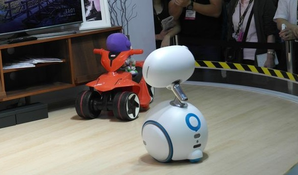 robot zenbo pembantu rumah tangga
