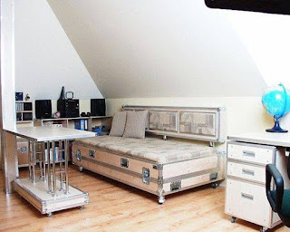 Muebles de habitación hechos con flightcase