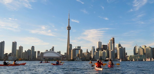 Tourism in Toronto - Canada - the most beautiful tourist places and the best hotels