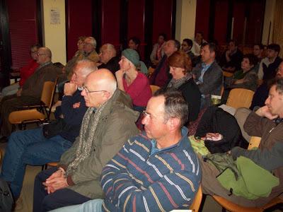 Sala gremita giovedì scorso alla presentazione della Guida al Canale dei Mulini, organizzata da Legambiente, Associazione Pietro Costa e Comitato Ambiente e Paesaggio