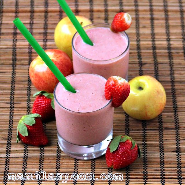 Strawberry Banana and Applesauce Smoothie