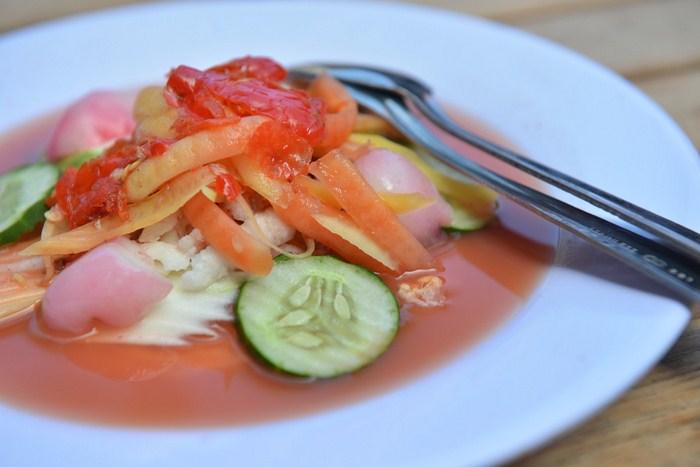 Makanan Khas Bali Rujak Kuah Pindang atau Rujak Bulung
