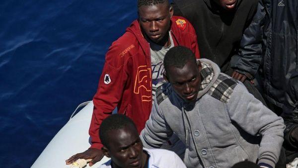 60 refugiados desaparecidos en naufragio en el Mediterráneo