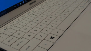 Samsung Galaxy TabPro S Keyboard's Picture