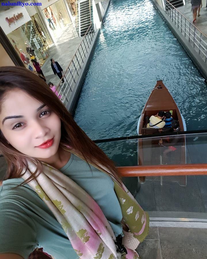 Suleka Jaywardena at Marina Bay Sands hotel - Sampan boat rides naluniliyo