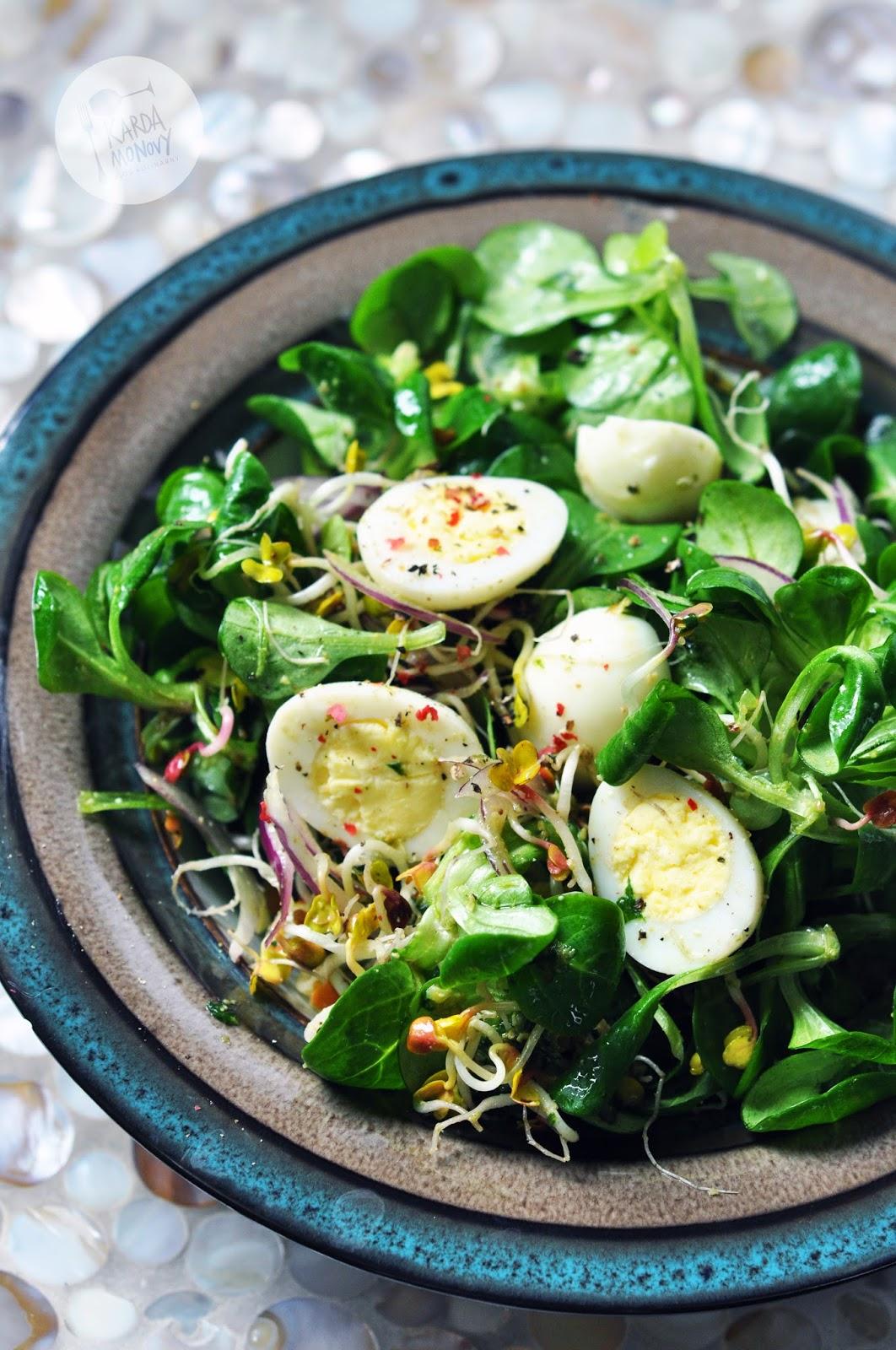 Salatka Z Jajkami Przepiorczymi I Pesto