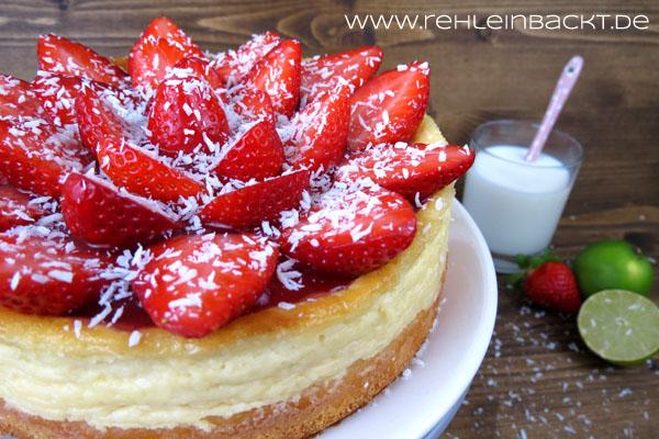 Kokos-Schmandkuchen mit frischen Erdbeeren | Foodblog rehlein backt