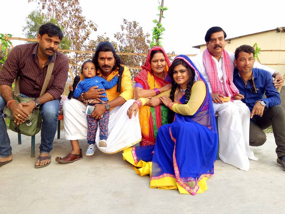 Nisha Dubey and Yash Kumar Mishra 'Nirahua' Shooting stills of Bhojpuri Movie Rudra