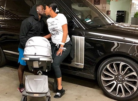 Kevin Hart & Wife Share A Kiss As They Leave Hospital With Newborn
