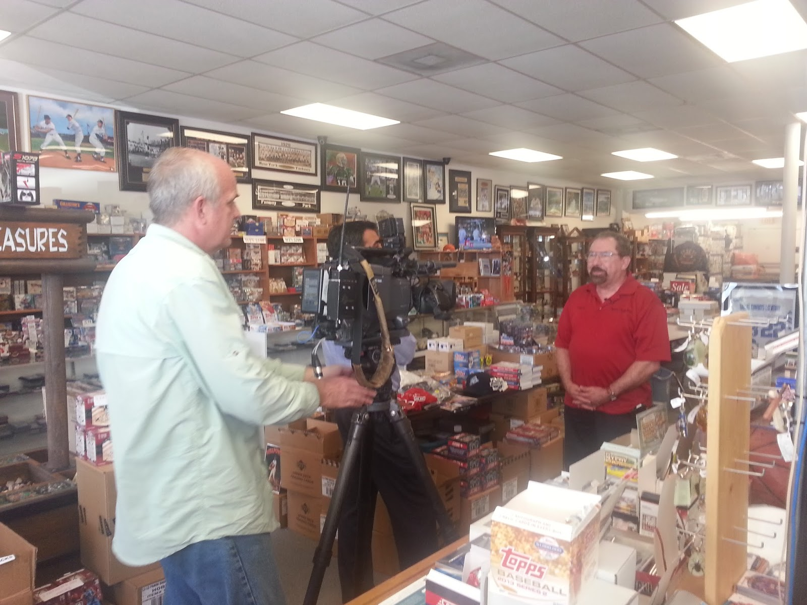 Sports Cards Plus Store Blog: CHARLIE DIPIETRO AND KSAT 12 NEWS ON