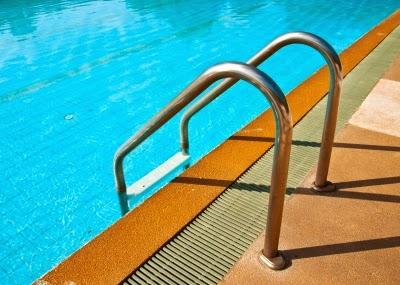 Escaleras para piscinas de acero inoxidable - Piscinas de acero inoxidable ...