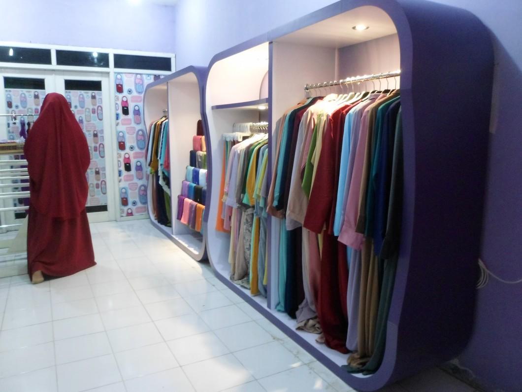 Desain Toko Baju Ukuran Kecil Cek Bahan Bangunan Desain toko busana muslim