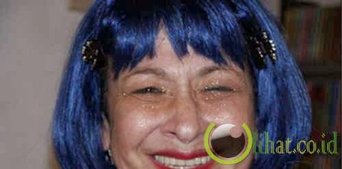 Blue Iris, 62 tahun
