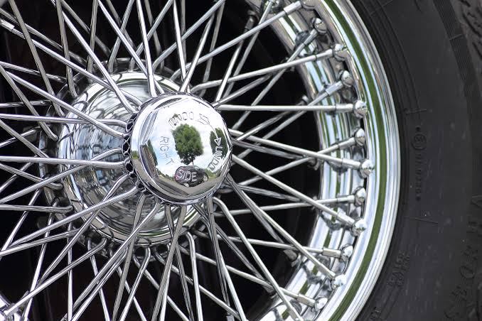 Spoke Vs Alloy Wheel