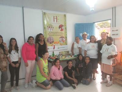Cheiro do Mato visita Escola Bairro Cubatão em Cananéia
