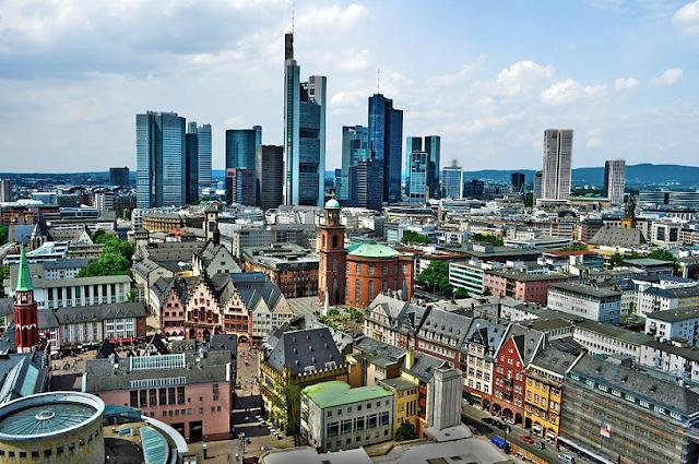 Viagem de trem de Amsterdã à Frankfurt