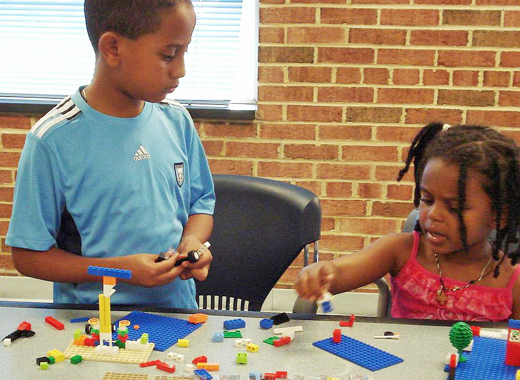 Kids building LEGOS at Silver Spring library