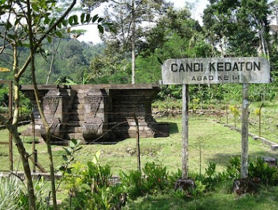 Candi Kedaton di Kota Probolinggo Jawa Timur