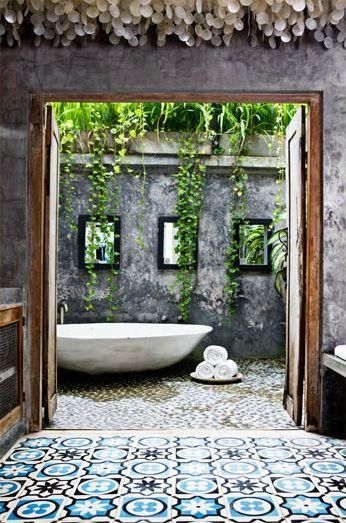 Blog de decora o arquitrecos banho relax no quintal for Indoor outdoor bathroom design ideas
