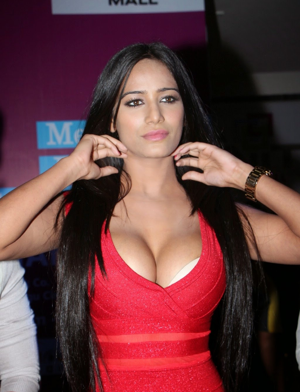 Poonam Pandey naked (91 pics) Fappening, Facebook, butt