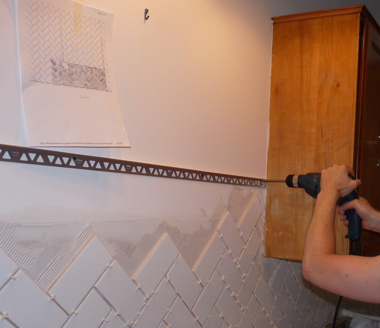 Subway Tile Finished Edge Finishing Tile With Metal Edging | Dans le Lakehouse