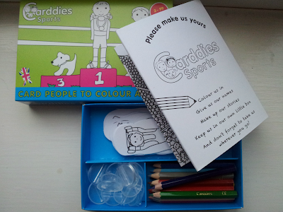 travel toy, carddies, colouring set