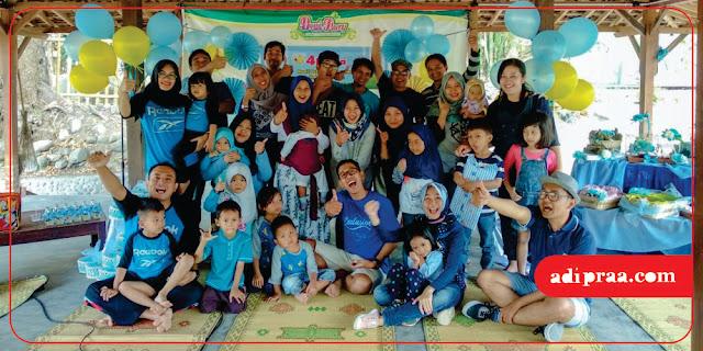 Berfoto Bersama keluarga besar Rekmed UGM Angkatan 2004 | adipraa.com