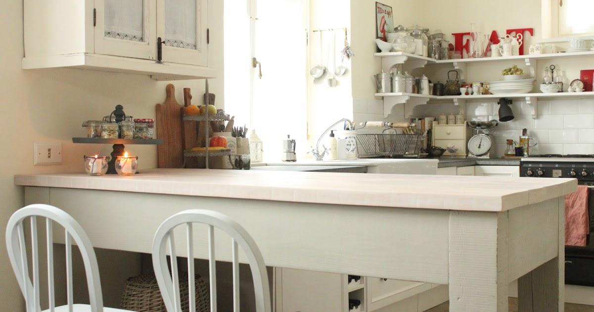 Il bancone della mia cucina - Shabby Chic Interiors