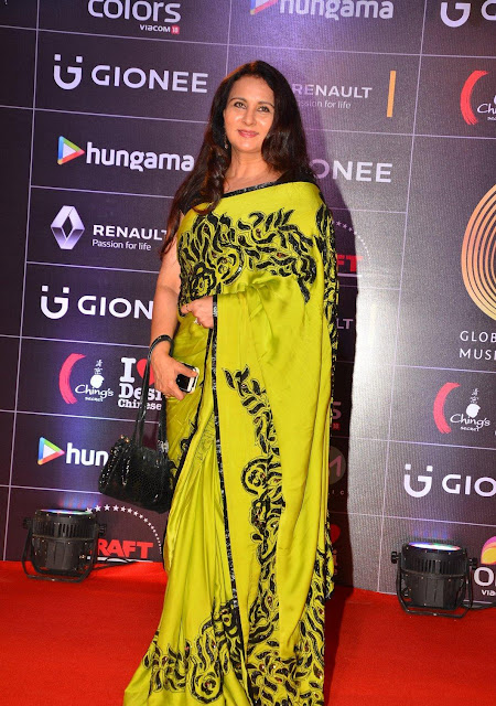 Poonam Dhillon in Beautiful Bright Yellow Pochampally Silk Saree At GIMA Awards 2016