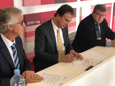 Governador e Câmara de Comércio assinam memorando para investimentos bilaterais e promoção comercial entre Ceará e Catalunha