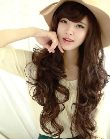 Model Rambut Panjang Berponi