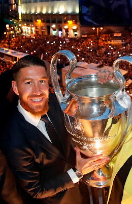 ramos hold chompions league trophie