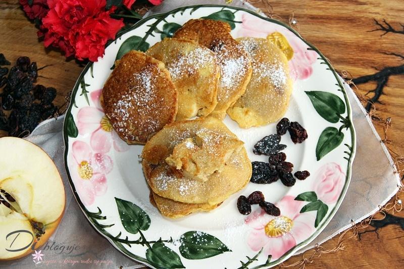 Amarantusowe placuszki z jabłkiem i rodzynkami (bez mąki i cukru)