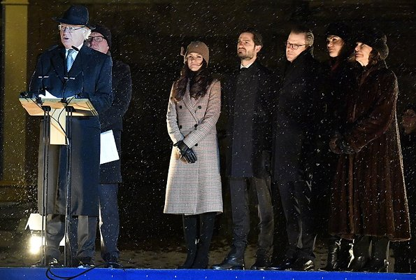 Crown Princess Victoria wore Ida Sjostedt jules coat. Princess Sofia wore 2nd Day checked duster coat. Queen Silvia